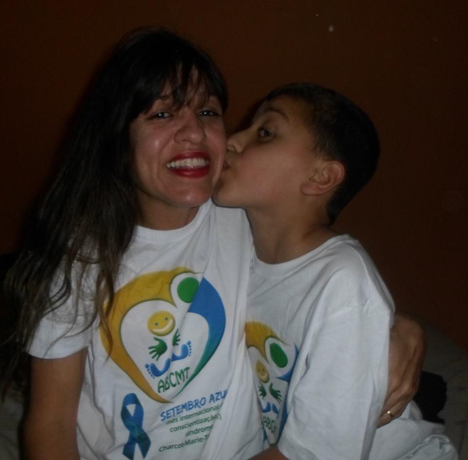 edna e seu filho.jpg